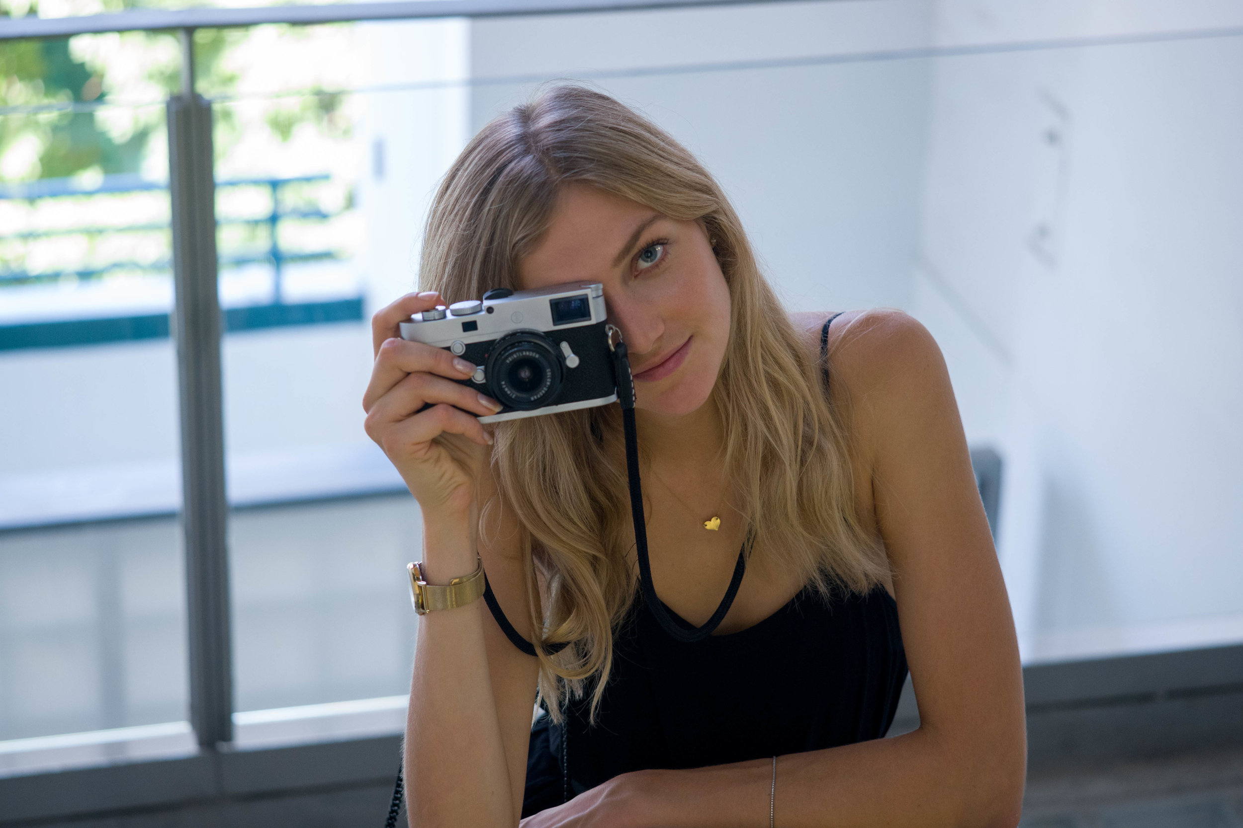Leica M10-P + Leica 90mm Macro-Elmar-M f/4 - ISO 1600, 1/125s, f/4- Similar framing