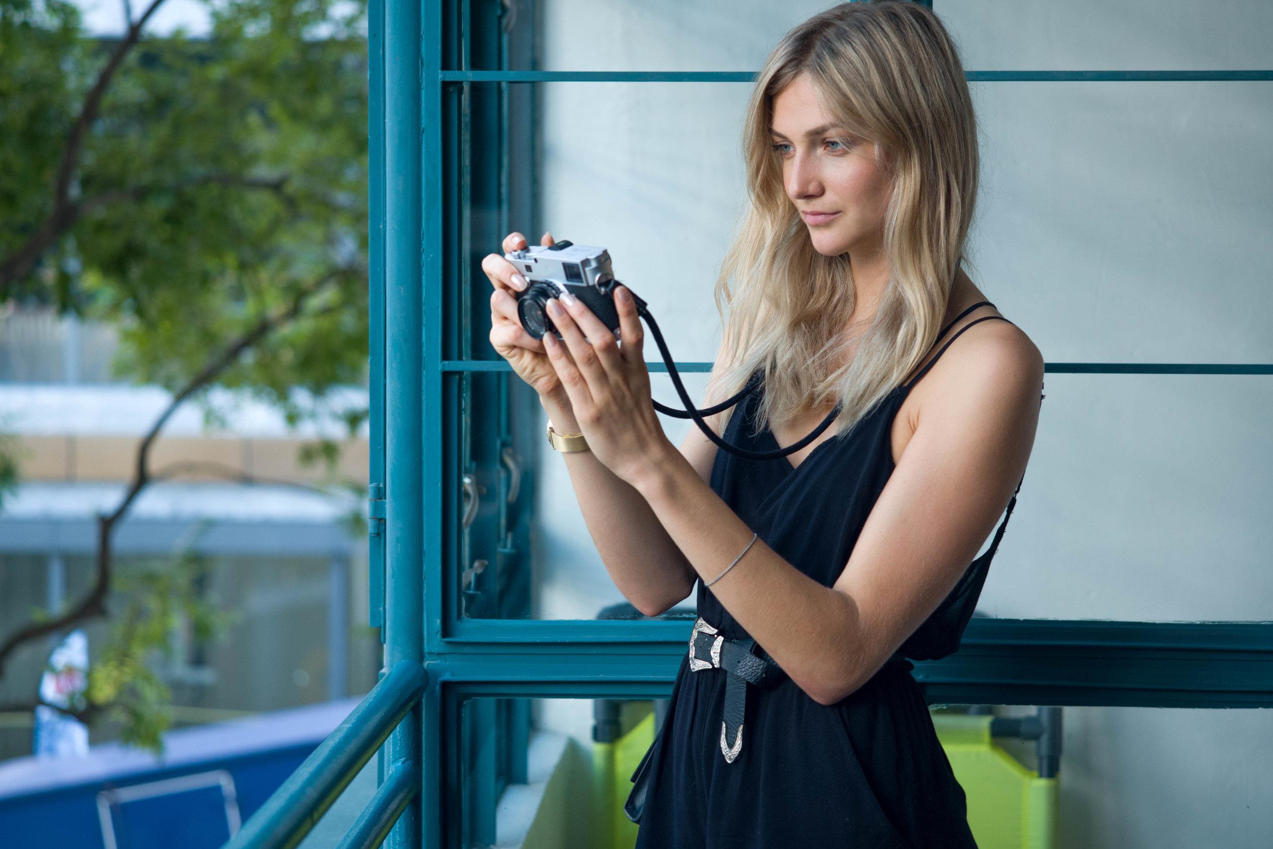 Leica M10-P + Leica 90mm Macro-Elmar-M f/4 - ISO 800, 1/125s, f/4- Similar framing