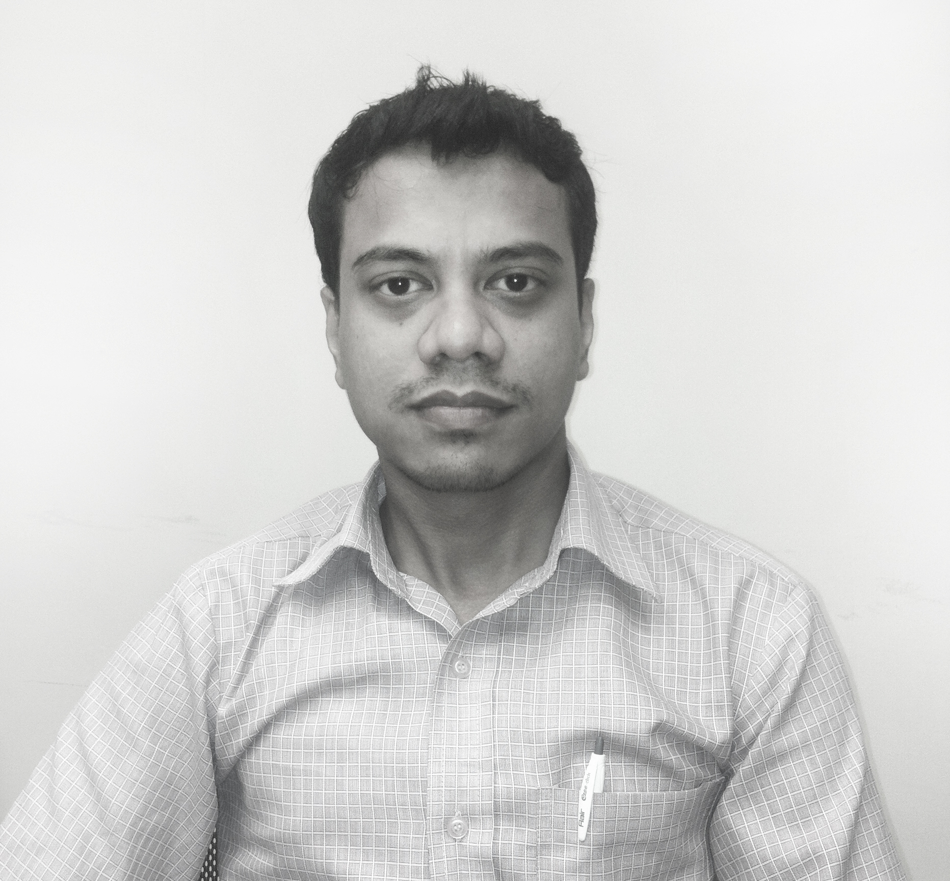 Sajal Das   Architect  Sajal Das became a part of N+U Design Studio in the year 2011. Since then he has worked on various projects like office interiors, residential houses, resort, sports facility, group housing and institutional complexes at various stages. A quiet and consistent worker with flaawless execution and an eye for perfection, Mr. Das has been an important & reliable member of N+U Team.  Some key projects Mr. Das has worked on include ATS Valley School in Dera Bassi, AWHO group housing in Gurgaon, Earth Gharonda group housing in Lucknow and AWHO group housing in Pune. Before joining N+U Design Studio, Mr. Das worked with design intensive multi disciplinary practices in New Delhi, where he was involved in hospitality, commercial and residential projects.
