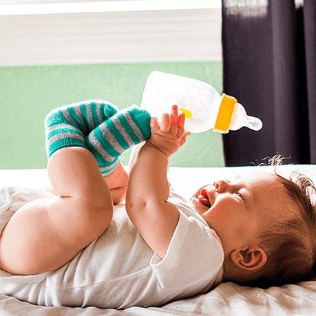 60% of all families bottle feed their children #bottlefeeding #formulafeeding#babybottles #bottlecollars