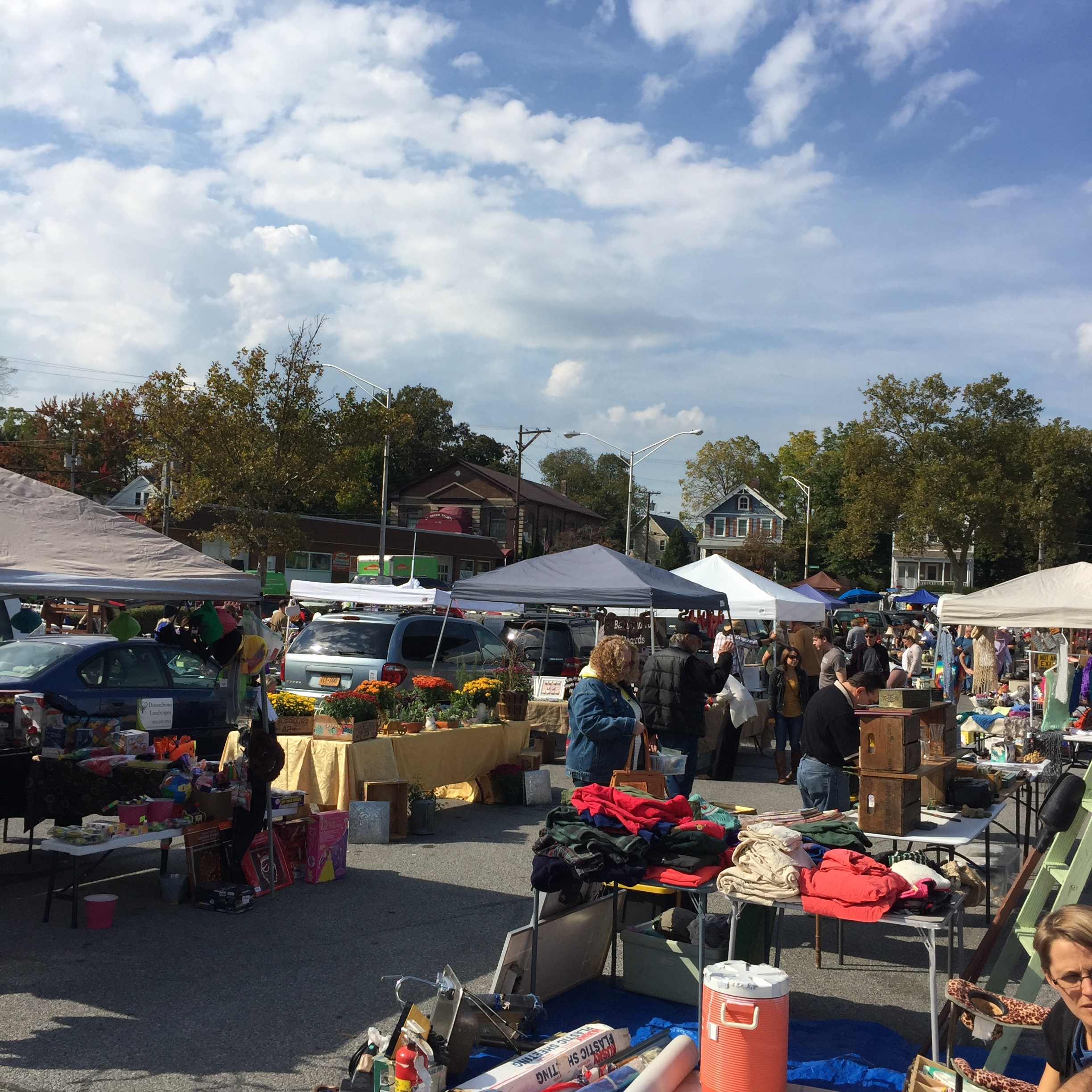 The Beacon Flea was packed with different vendors, several of whom stayed past the usual closing hour of 3 pm because the crowd remained strong.