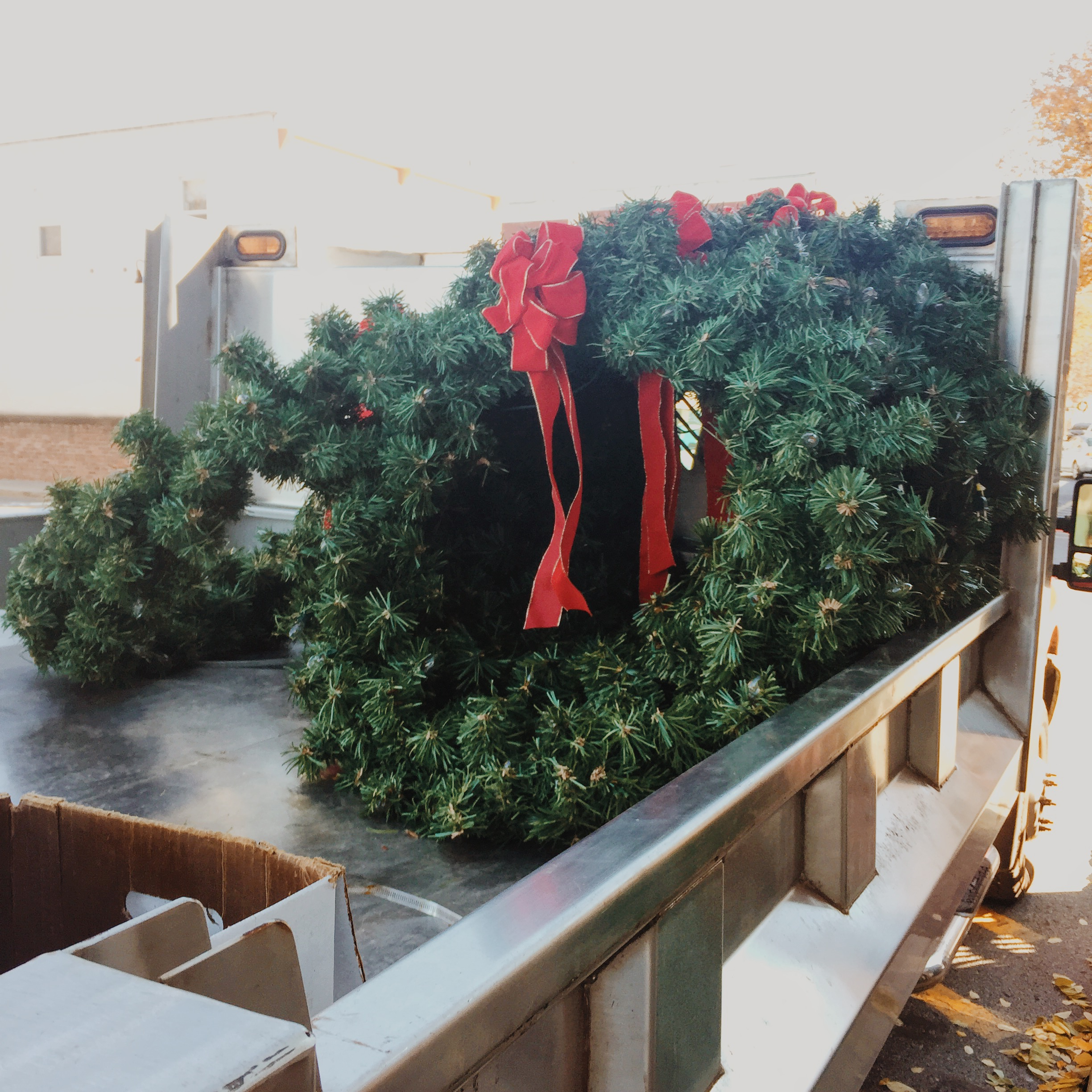 A few wreaths left on this truck to be hung on Beacon's milelong Main Street.