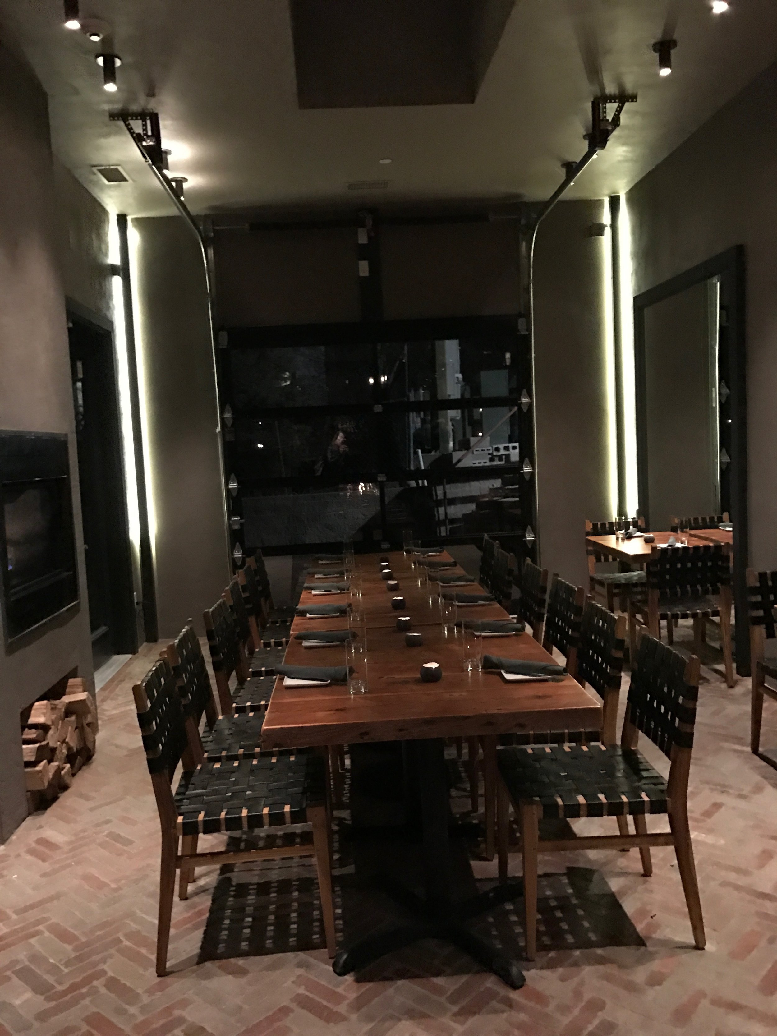 Beacon hotel restaurant party room.JPG