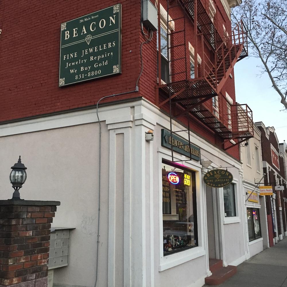 beacon fine jewelers storefront.jpeg