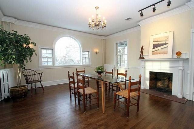 119 howland dining room.jpg