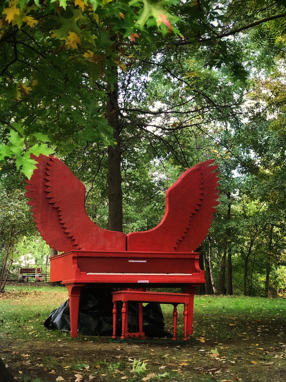 Piano near Beacon Falls, along the Fishkill Creek. Piano created by the artist  Lori Merhige .  Photo Credit: Izdihar Dabashi