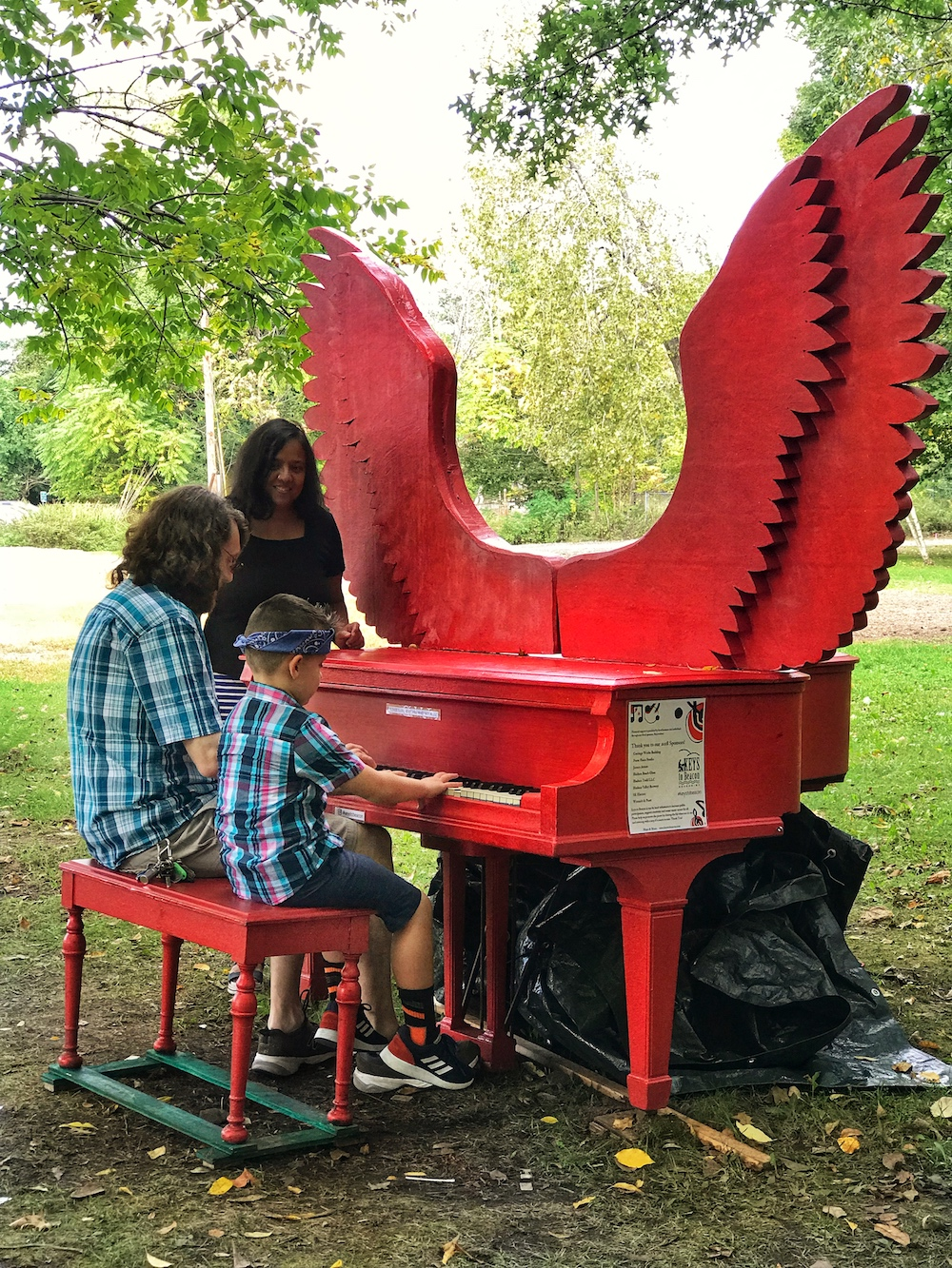 keys to beacon 2018 red piano 1 group playing 1000.jpg