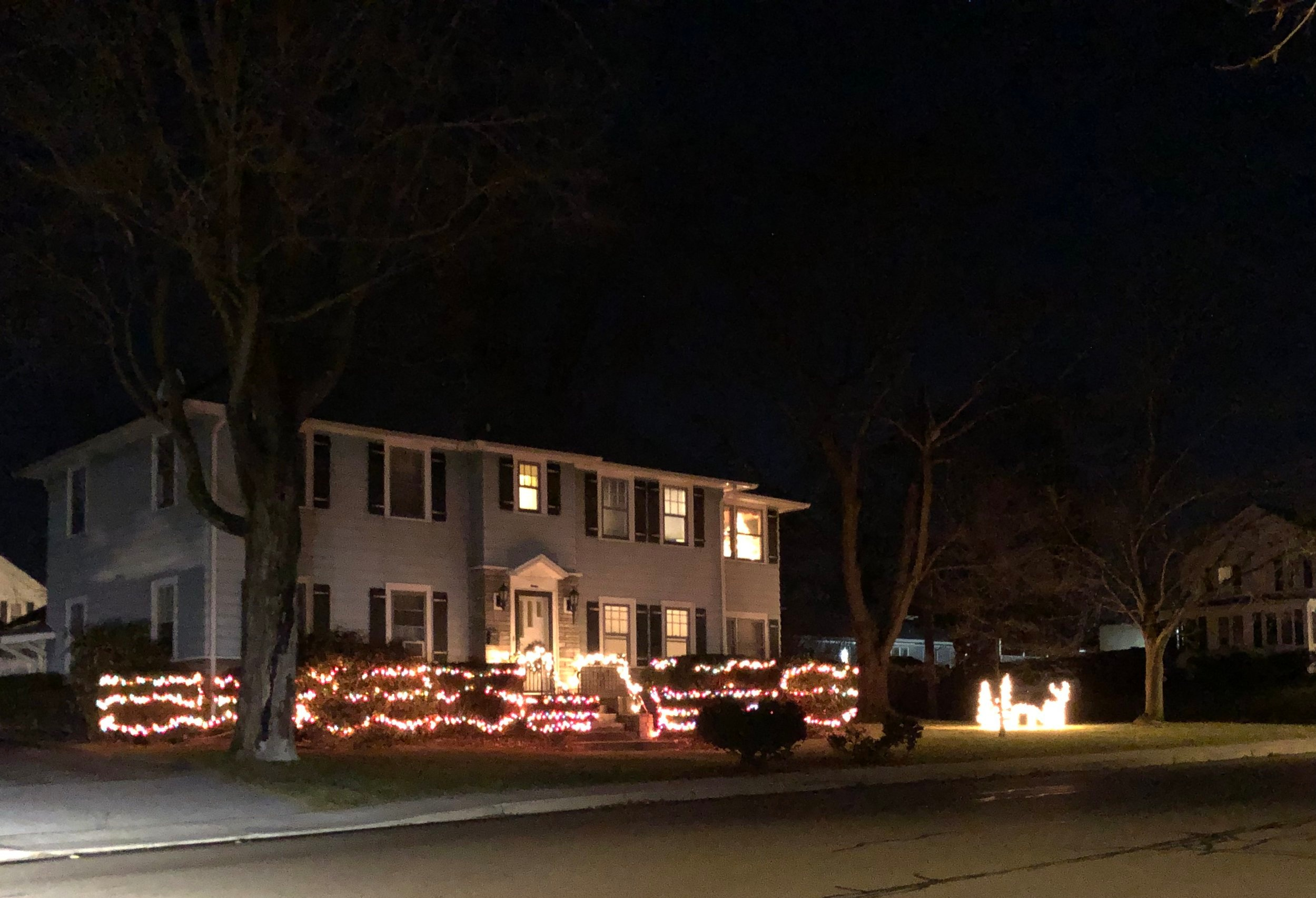 "A nice ""I'll be home for Christmas"" vibe is coming from this home."