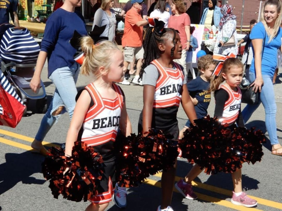 Beacon Bears and Cheer. Photo by Cindy Gould