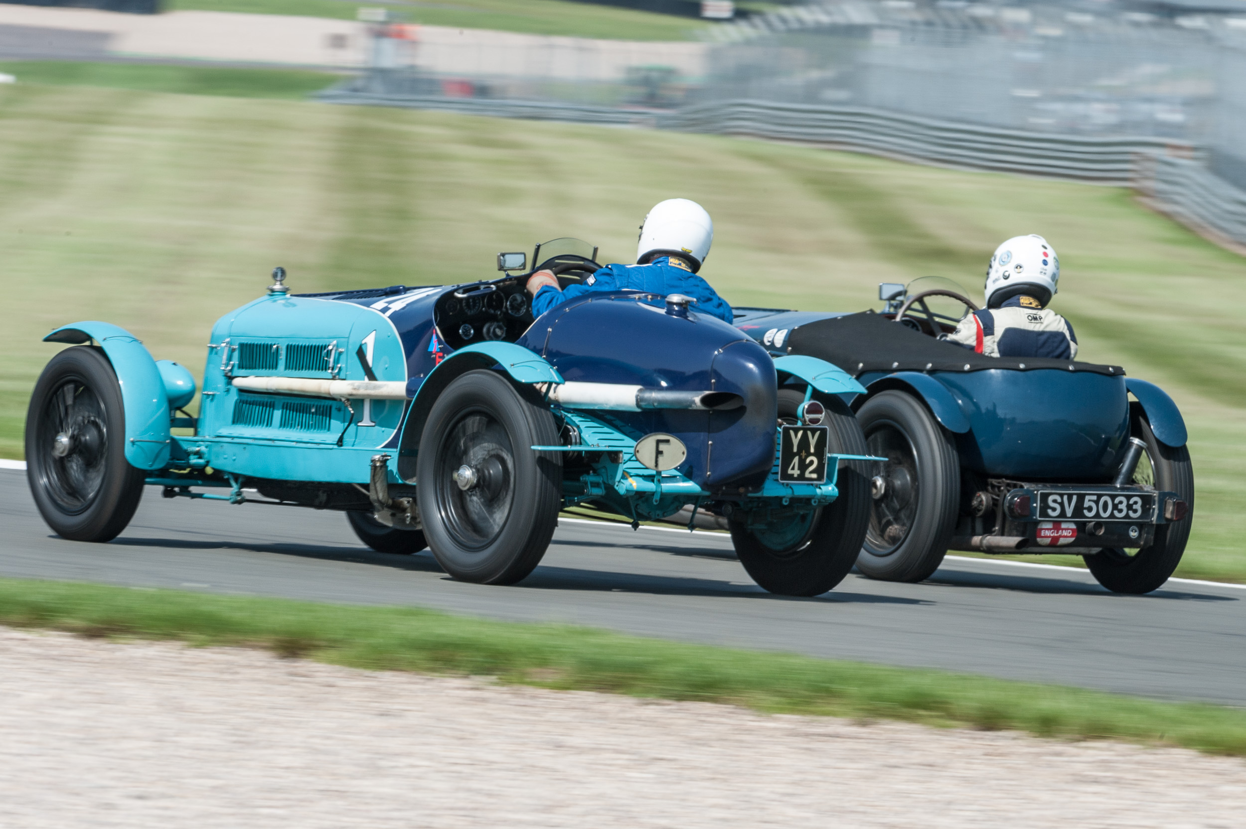 Mann (Alfa Monza) in touch with Williams (Fraser Nash SS):  Peter McFadyen