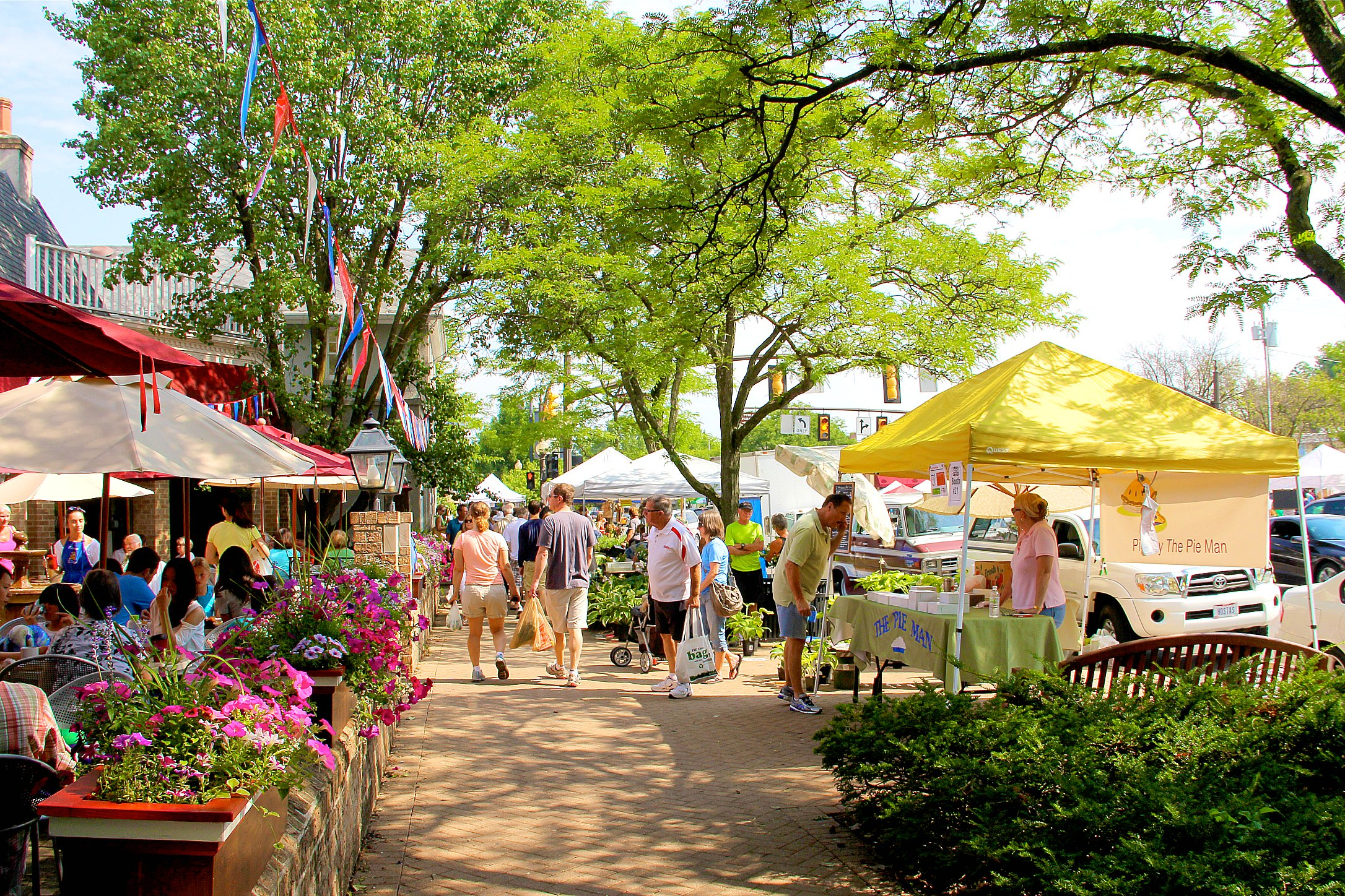 Worthington Farmers Market, an event of the Old Worthington Partnership Since 1987