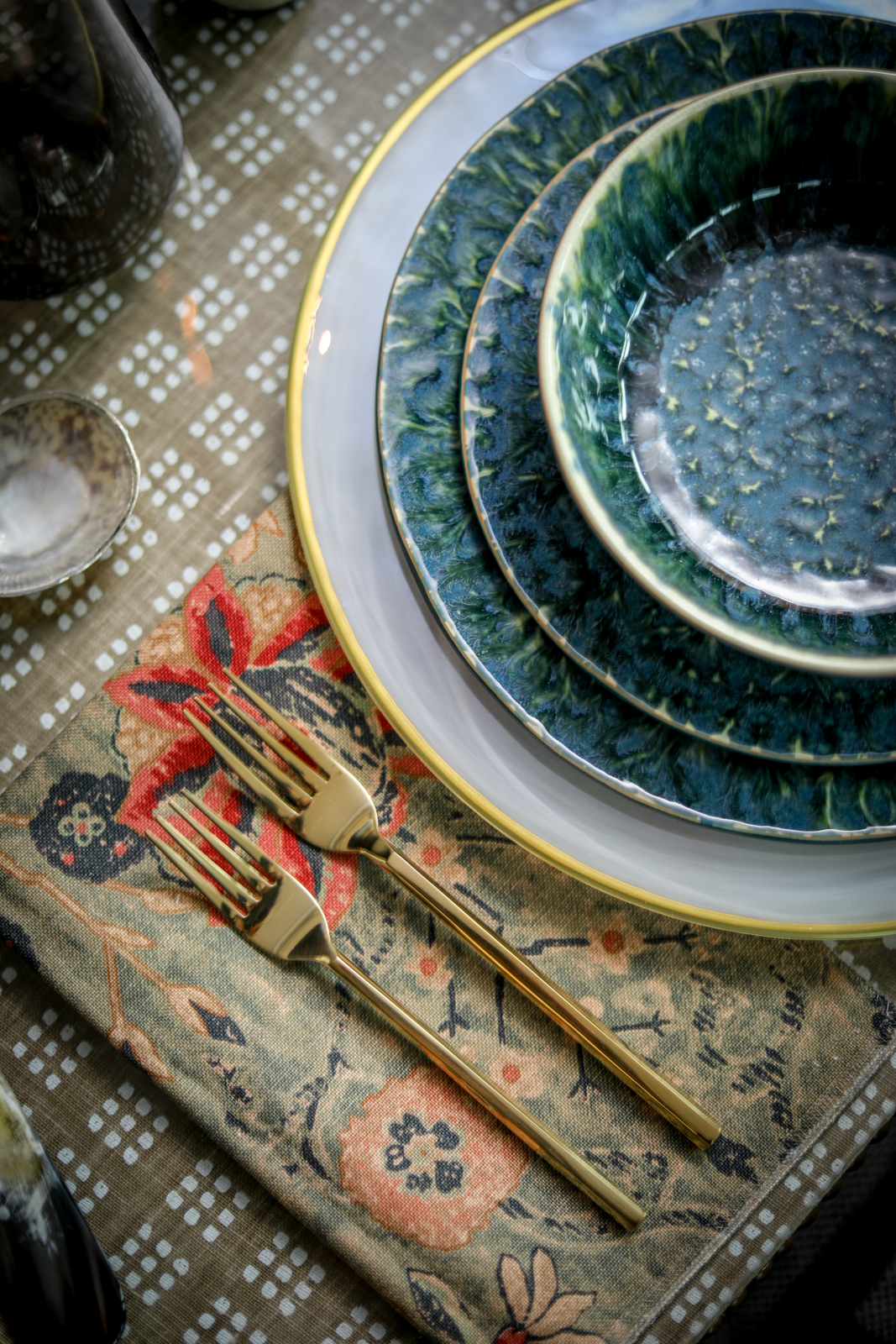 Tablescape-Modern-Textiles-Floral-Green-Gold-Napkin.jpg