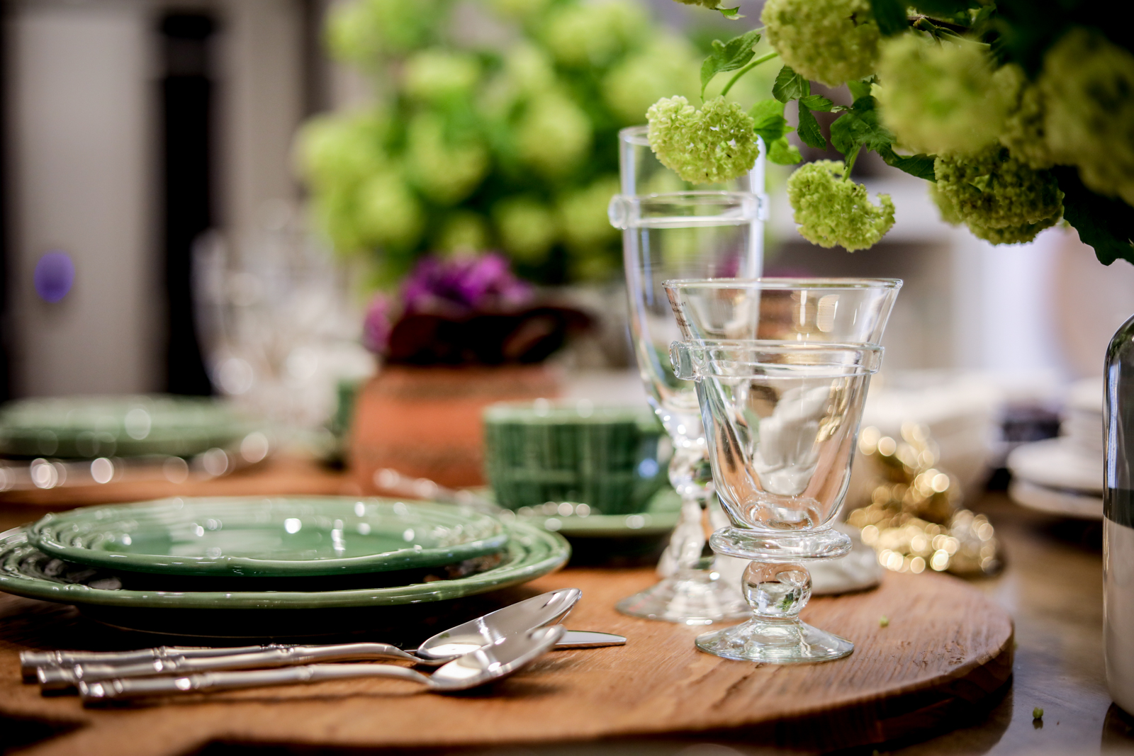 Tablescape-Modern-Spring-Bamboo-Green-Charcuterie.jpg