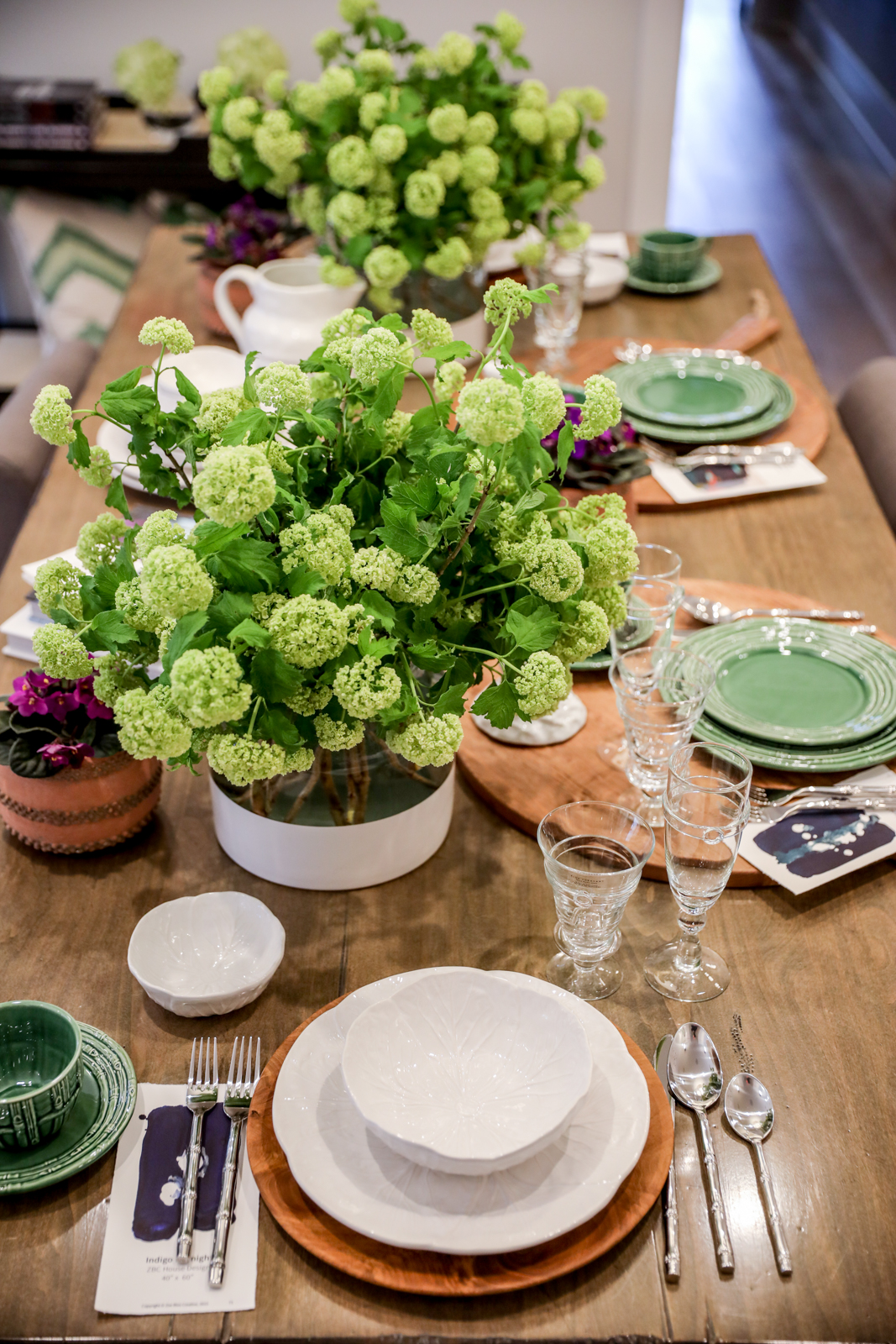 Tablescape-Modern-Spring-Bamboo-Green-Charcuterie-Terracotta-Gold-Lunch.jpg