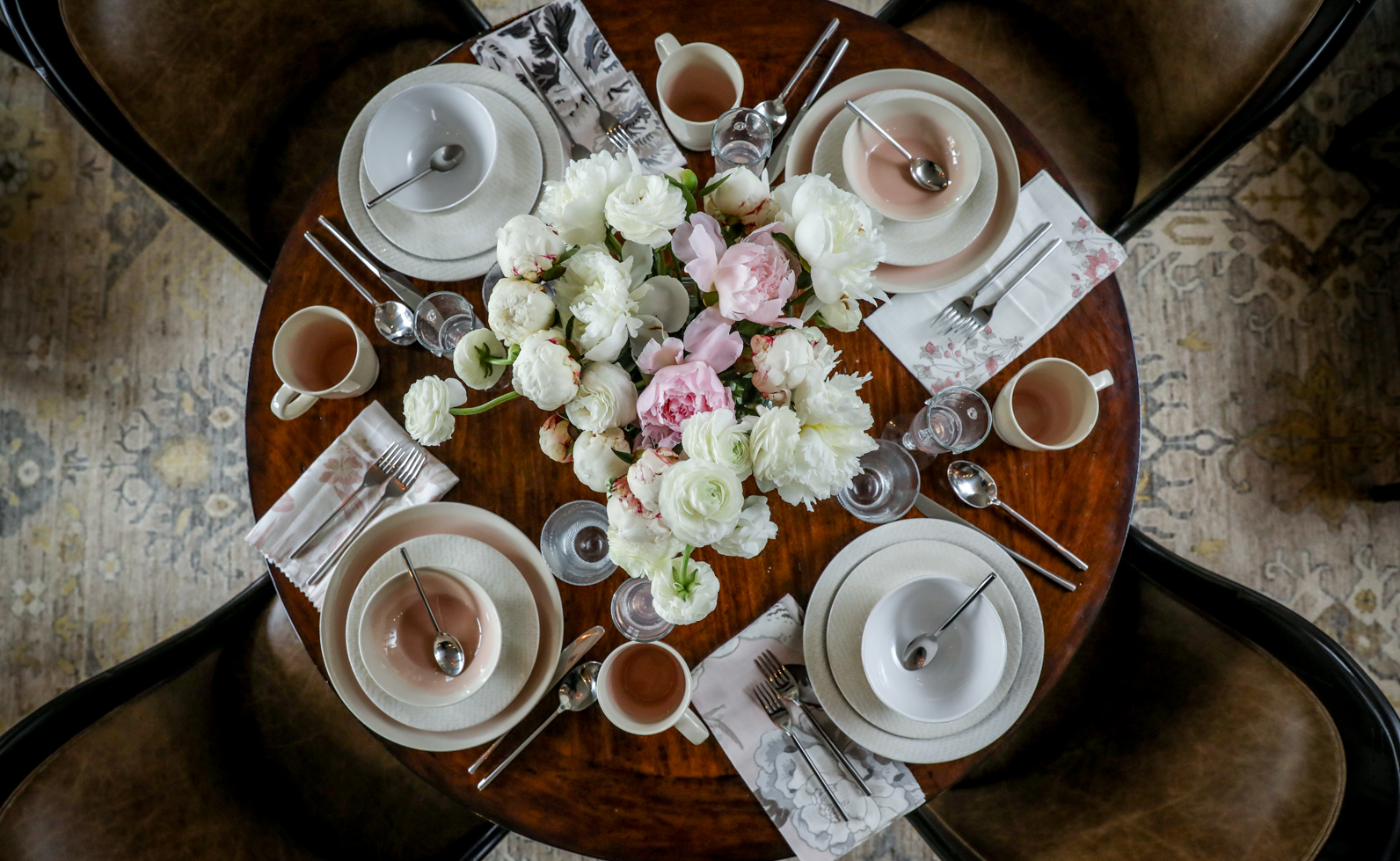 Brunch-Tablescape-White-Pink-Peonies-Rosé.png