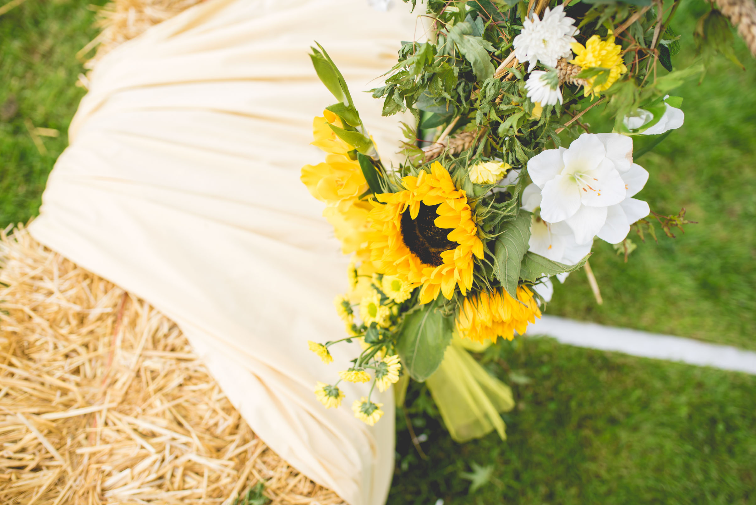 Peak+district+farm+wedding+lower+damgate+photographer-109.jpg