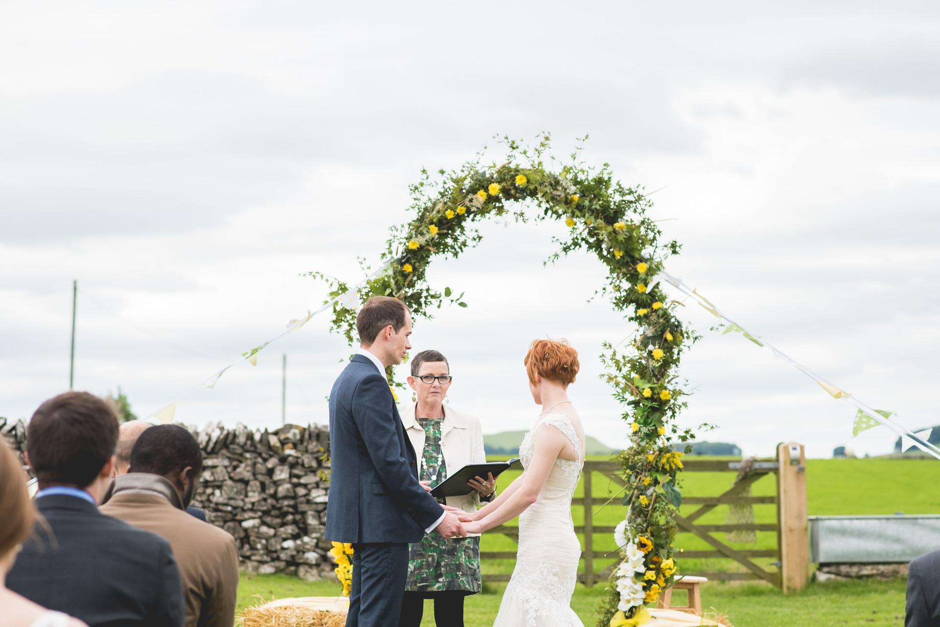 Peak+district+farm+wedding+lower+damgate+photographer-126.jpg