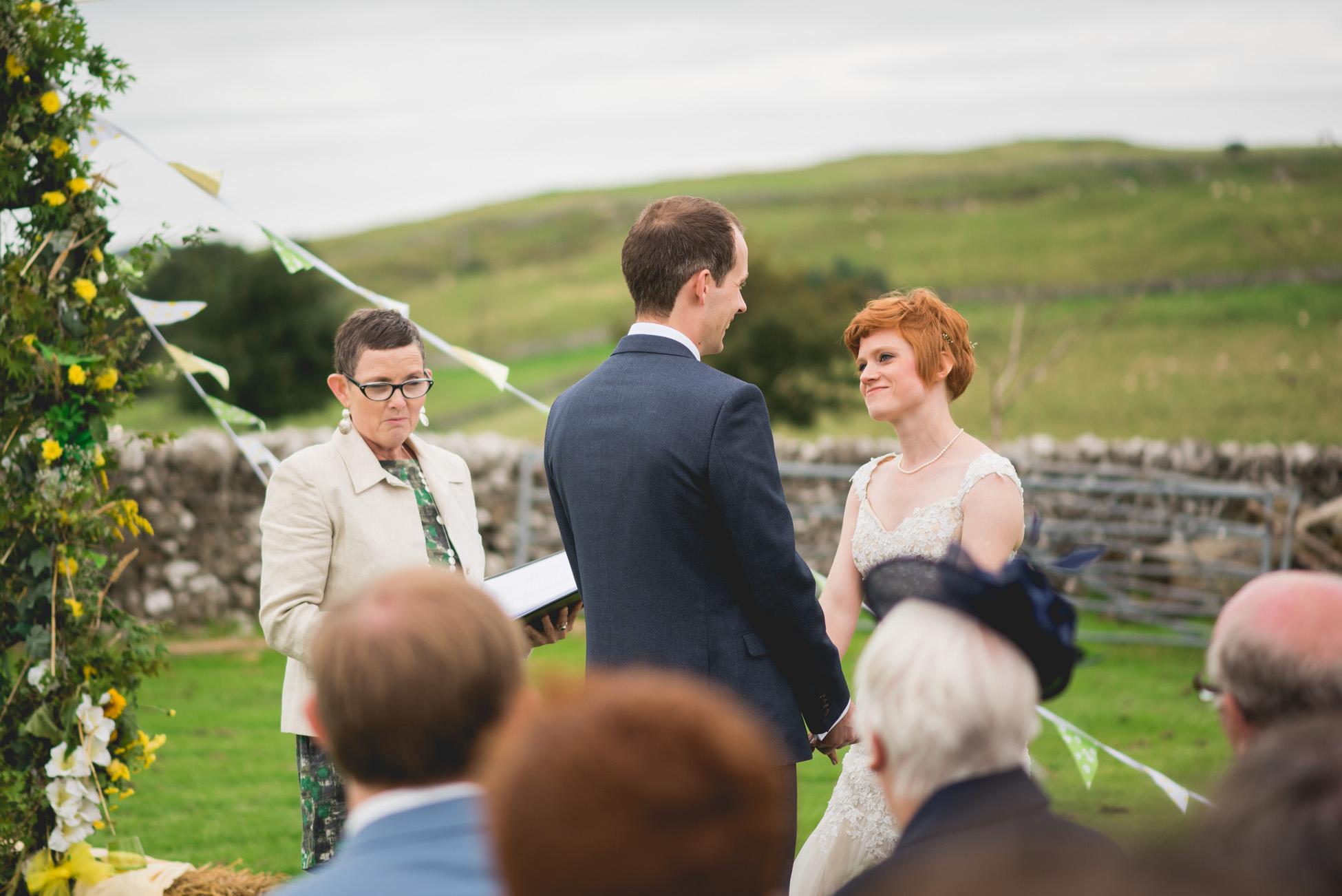 Peak+district+farm+wedding+lower+damgate+photographer-131.jpg