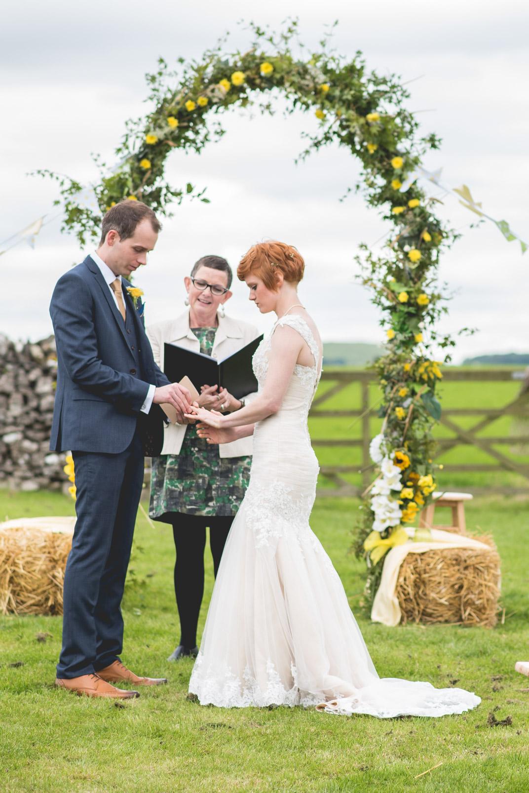 Peak+district+farm+wedding+lower+damgate+photographer-136.jpg