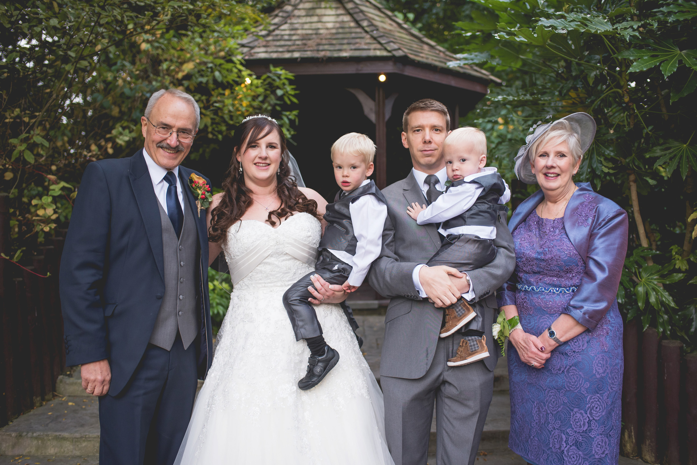 The+Fairlawns+wedding+Aldridge+StLukes+Church-149.jpg