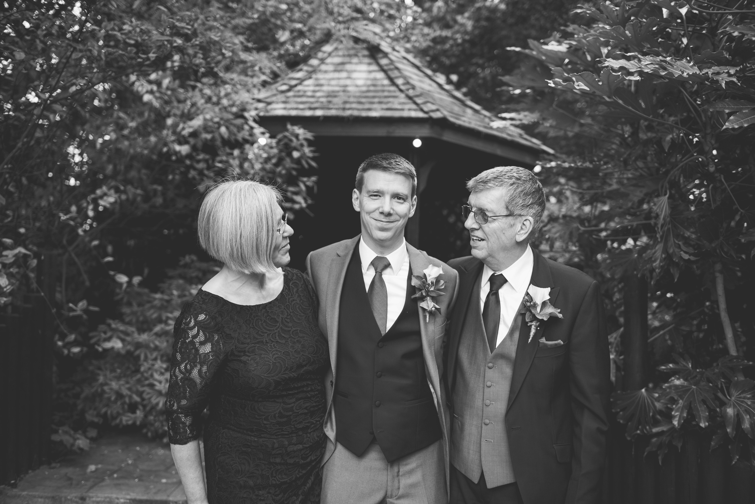 The+Fairlawns+wedding+Aldridge+StLukes+Church-151.jpg