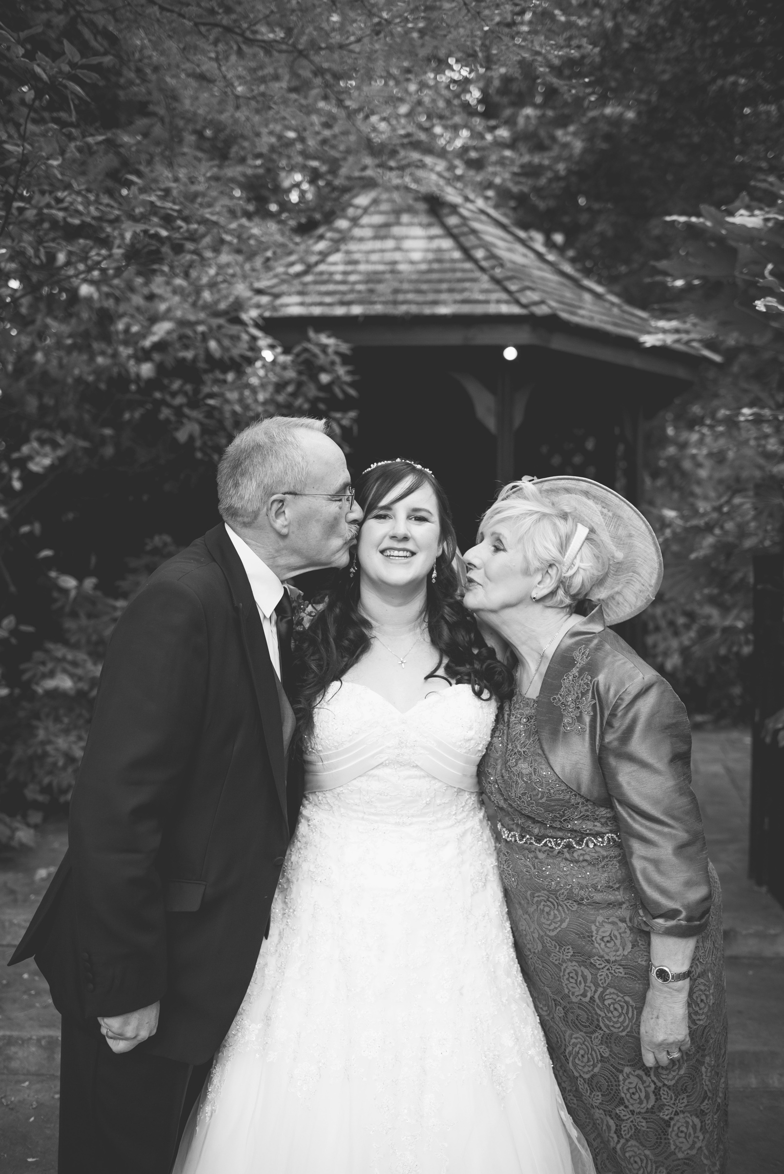 The+Fairlawns+wedding+Aldridge+StLukes+Church-150.jpg
