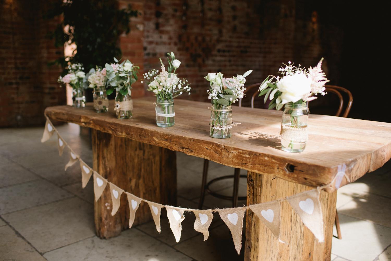 Jodie-George-shustoke-barn-wedding-photography-staffordshire-254.jpg