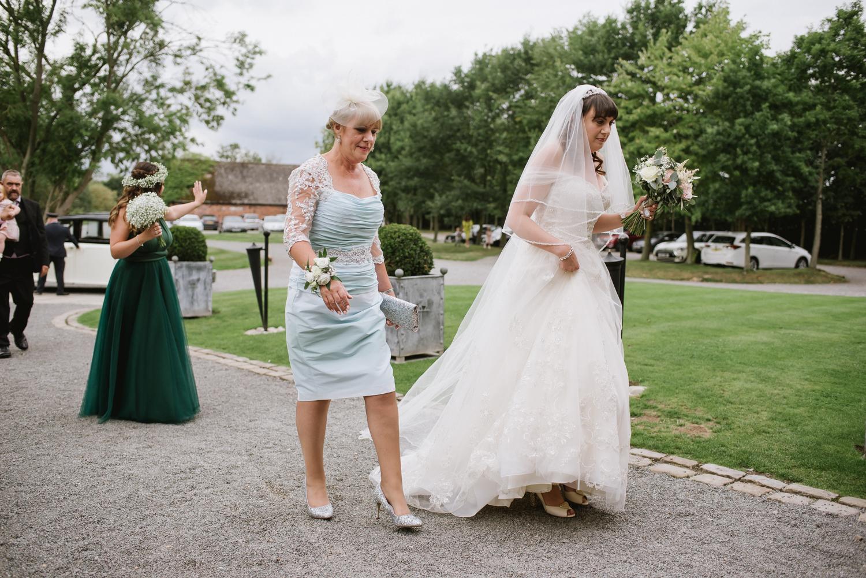 Jodie-George-shustoke-barn-wedding-photography-staffordshire-305.jpg