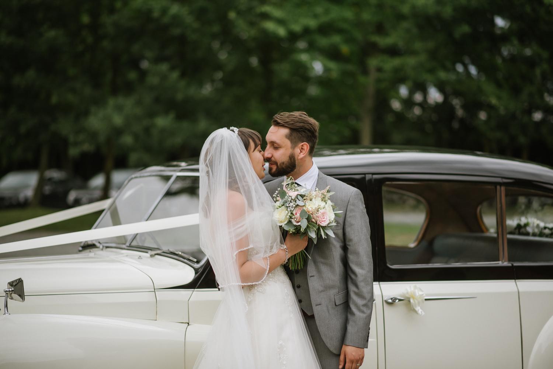Jodie-George-shustoke-barn-wedding-photography-staffordshire-486.jpg