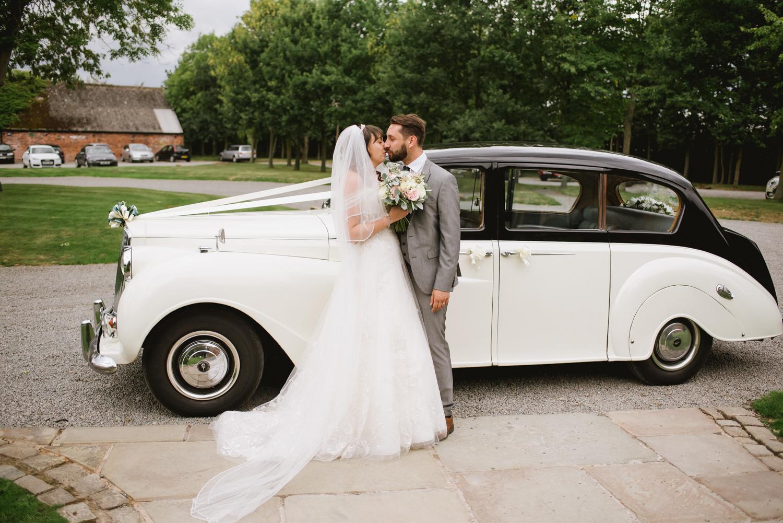 Jodie-George-shustoke-barn-wedding-photography-staffordshire-487.jpg