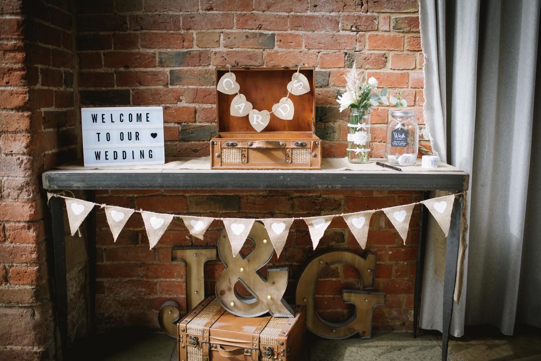 Jodie-George-shustoke-barn-wedding-photography-staffordshire-595.jpg