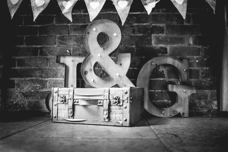 Jodie-George-shustoke-barn-wedding-photography-staffordshire-596.jpg