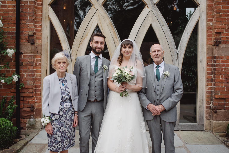 Jodie-George-shustoke-barn-wedding-photography-staffordshire-610.jpg