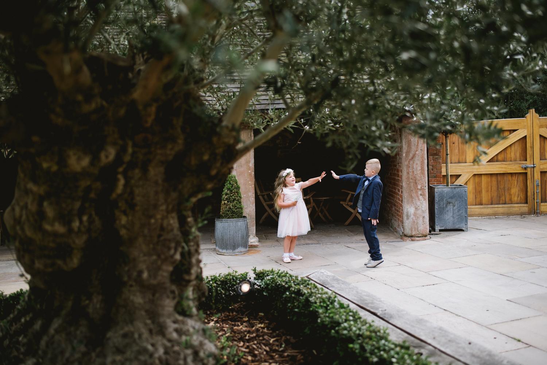 Jodie-George-shustoke-barn-wedding-photography-staffordshire-660.jpg