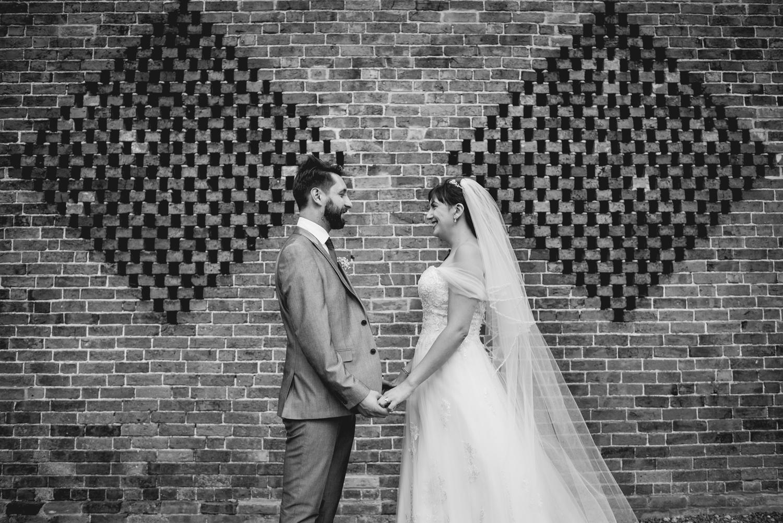 Jodie-George-shustoke-barn-wedding-photography-staffordshire-668.jpg