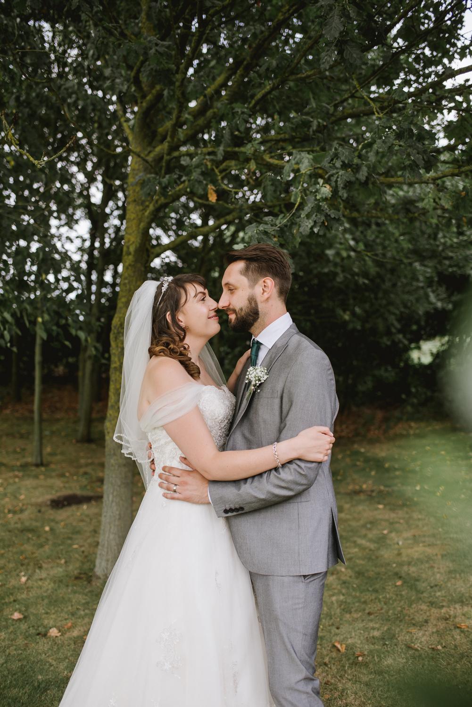 Jodie-George-shustoke-barn-wedding-photography-staffordshire-724.jpg