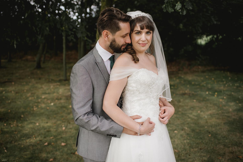 Jodie-George-shustoke-barn-wedding-photography-staffordshire-735.jpg