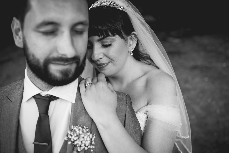 Jodie-George-shustoke-barn-wedding-photography-staffordshire-750.jpg
