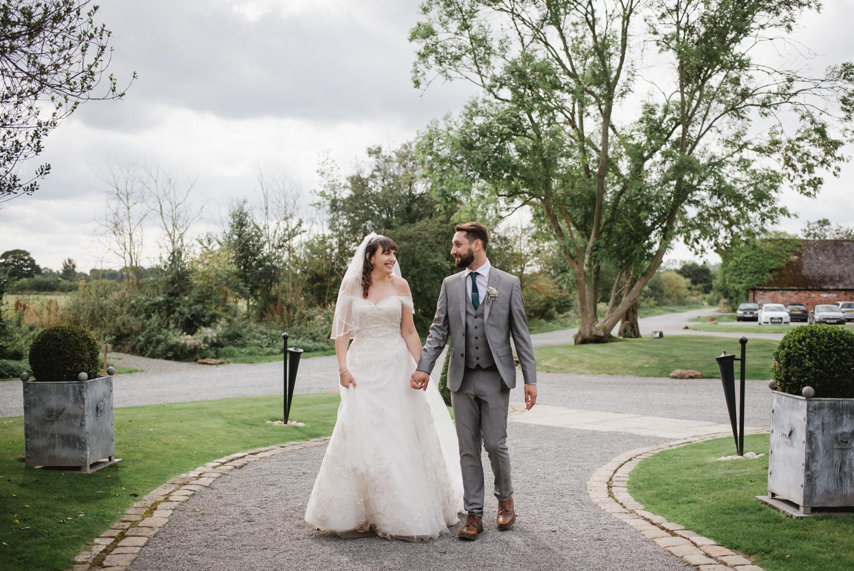 Jodie-George-shustoke-barn-wedding-photography-staffordshire-757.jpg