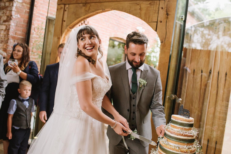 Jodie-George-shustoke-barn-wedding-photography-staffordshire-941.jpg