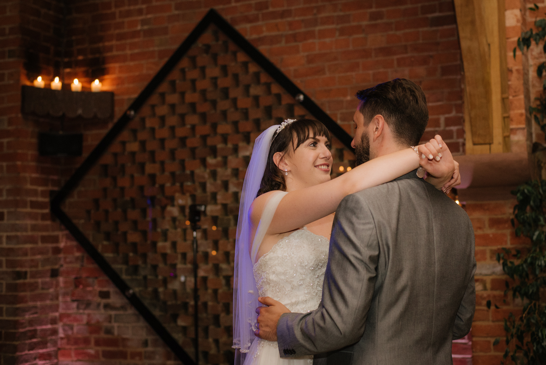 Jodie-George-shustoke-barn-wedding-photography-staffordshire-989.jpg