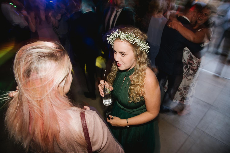 Jodie-George-shustoke-barn-wedding-photography-staffordshire-1004.jpg