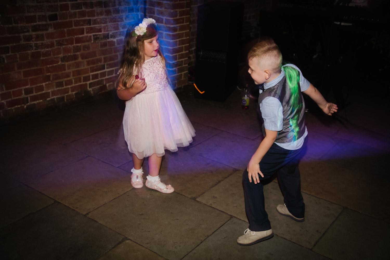 Jodie-George-shustoke-barn-wedding-photography-staffordshire-1028.jpg