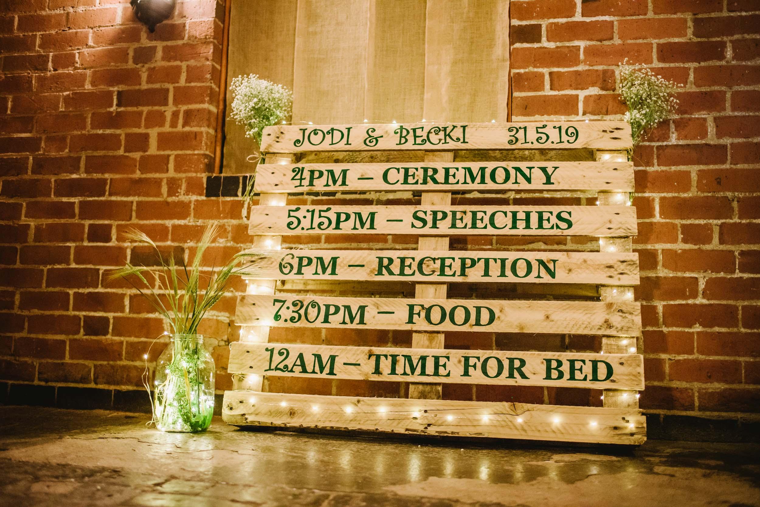 Donington-park-farm-wedding-photography-7.jpg