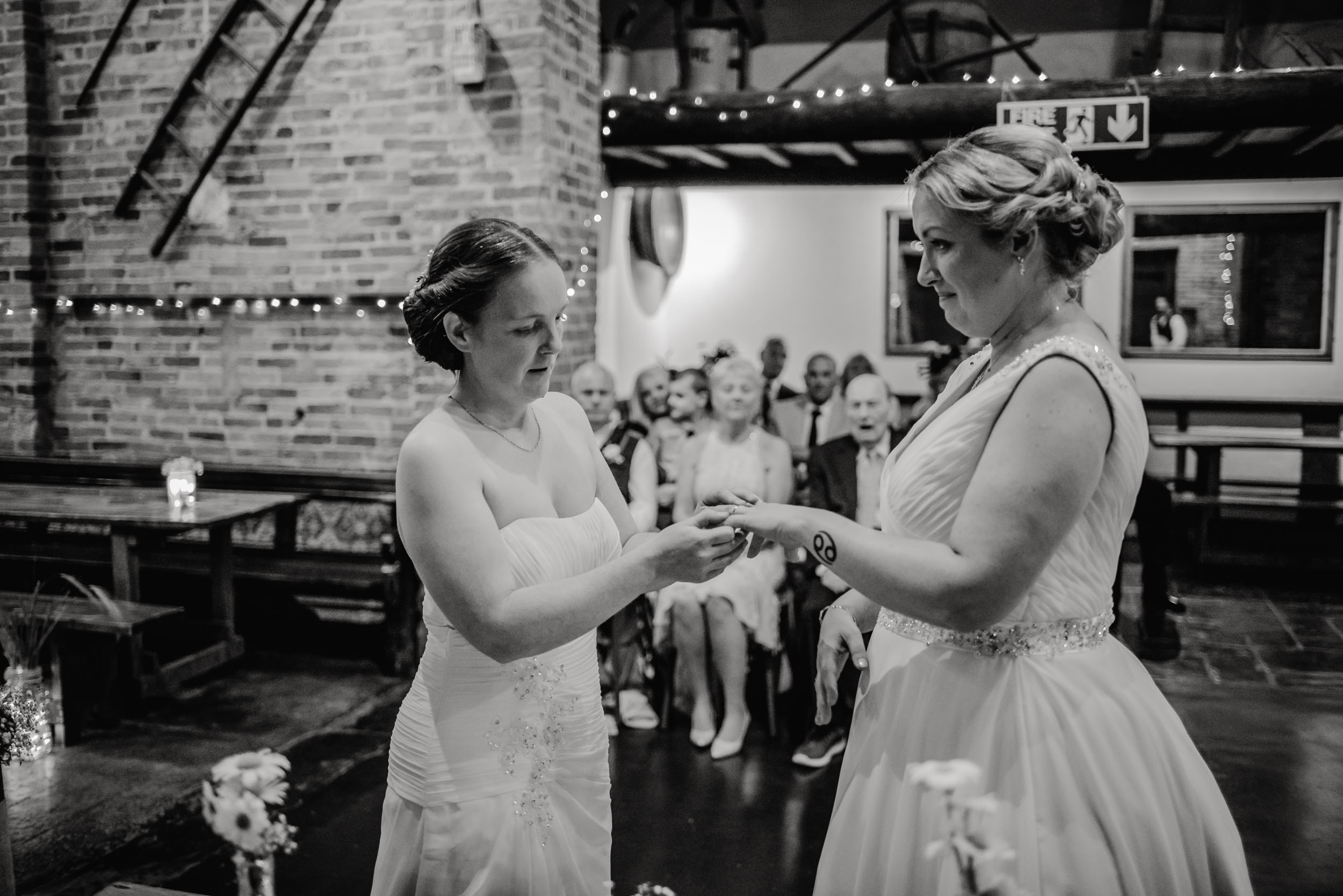 Donington-park-farm-wedding-photography-160.jpg
