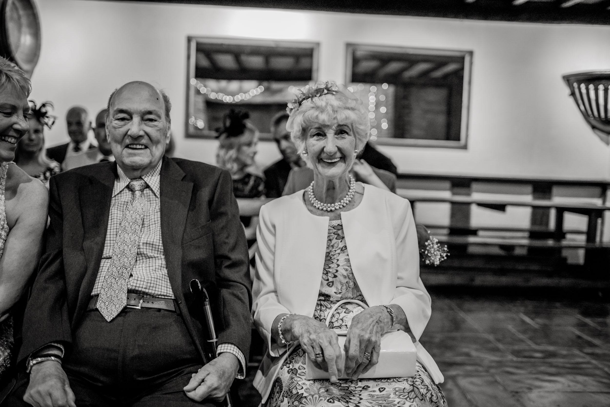 Donington-park-farm-wedding-photography-185.jpg