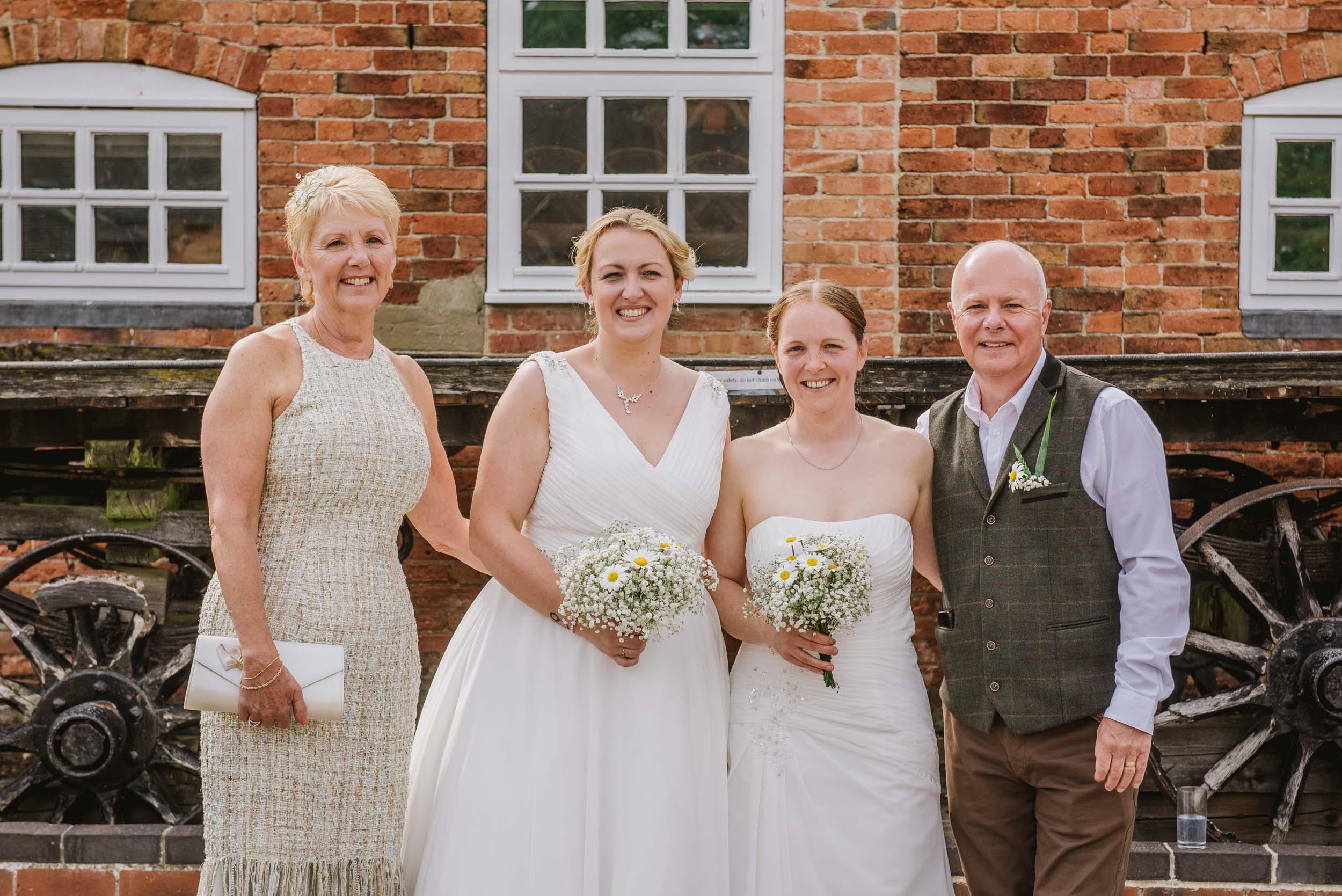 Donington-park-farm-wedding-photography-304.jpg