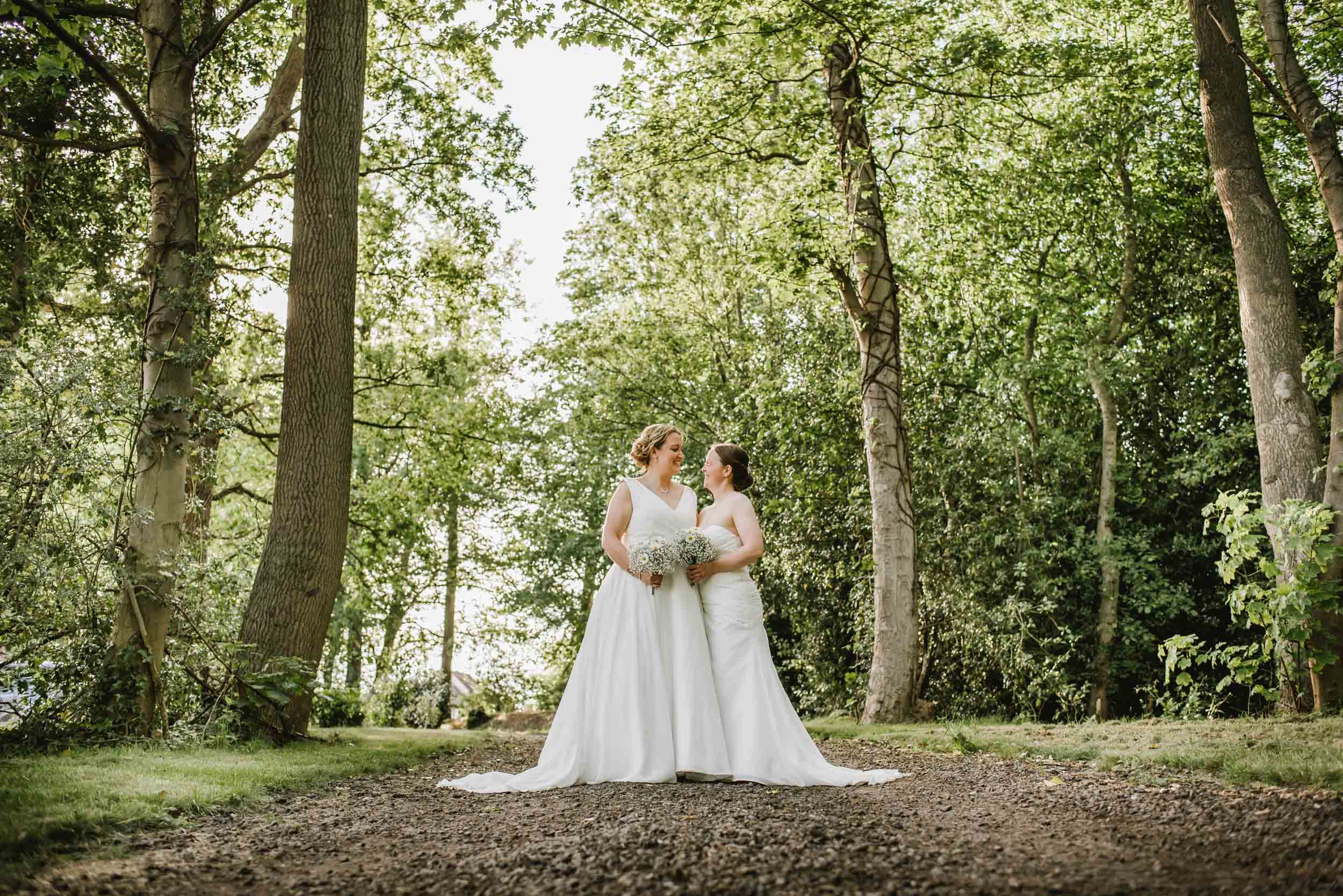 Donington-park-farm-wedding-photography-509.jpg