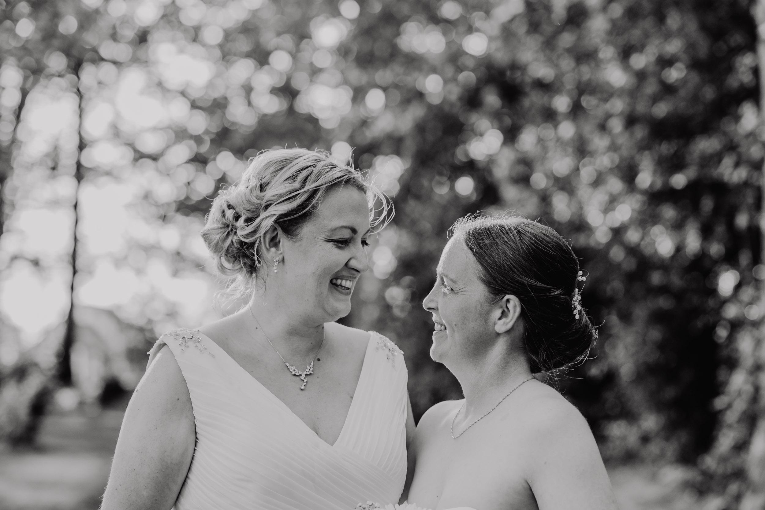 Donington-park-farm-wedding-photography-513.jpg
