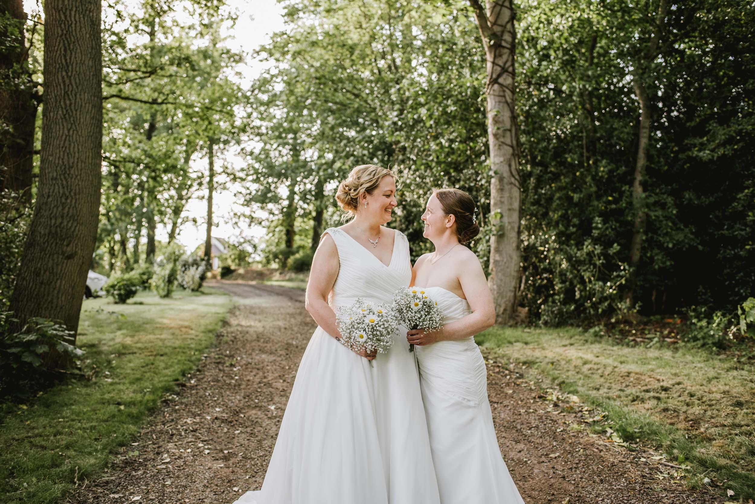 Donington-park-farm-wedding-photography-516.jpg